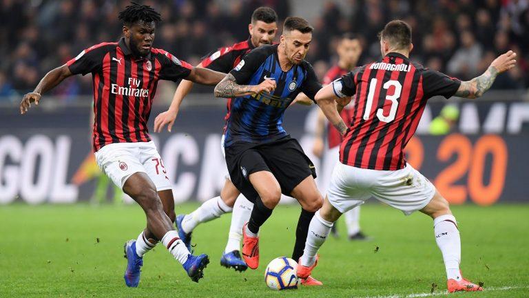 واقعة عنصرية جديدة في مباراة ميلان وإنتر ميلان بالدوري الإيطالي