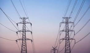 ايران تخطط لزيادة توريد الكهرباء للعراق
