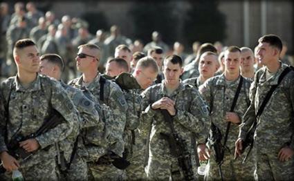 صحيفة: ترامب يوافق على إرسال 3000 جندي إضافي إلى الشرق الأوسط