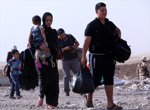 داعش تمنع المدنيين من الخروج من الموصل وتهددهم بالقتل