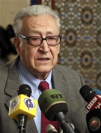 الإبراهيمي مستاء من جمود الوضع السوري ويعتزم الاستقالة