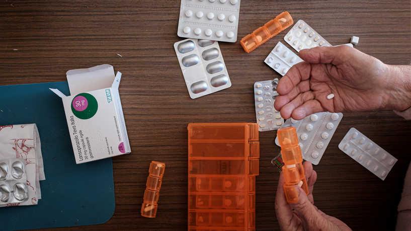 بعد دراسة أكثر من 6400 دواء ..  باحثون يحددون 7 أدوية لعلاج فيروس كورونا