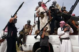 دعوة الأعرجي إلى سحب إجازات حيازة وحمل السلاح في البصرة