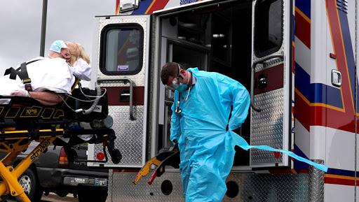 نحو 45 ألف إصابة بكورونا خلال يوم في امريكا وولاية تشهد قفزة قياسية